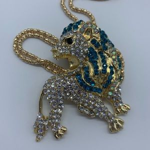 Jewelry - New blue&clear crystal lion pendant necklace
